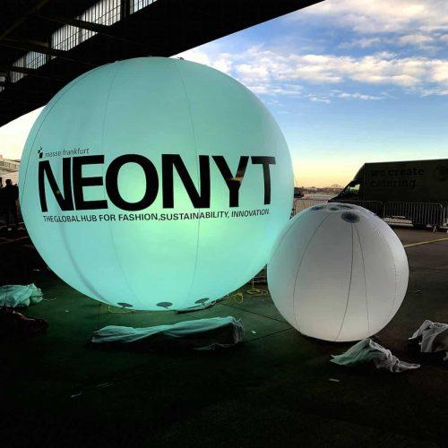 Neonyt balls